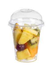 Frutta tagliata in bicchiere